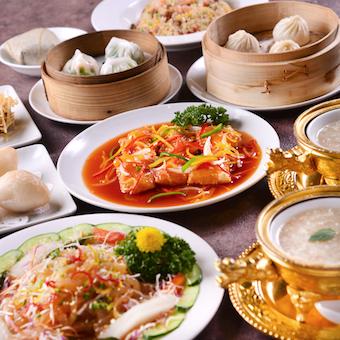 見た目に鮮やかな中華料理や点心が自慢◎