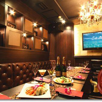 キラッキラのVIPルーム☆この特別感+気持ちの良いサービスが、お客様の楽しい時間に☆