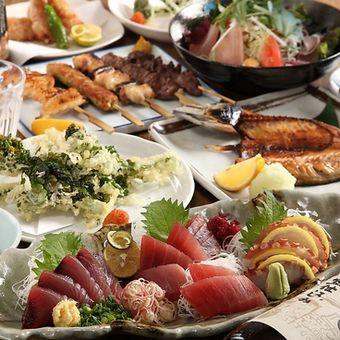 鮮魚に焼き鳥、小鉢も豊富。定番メニューで勝負!