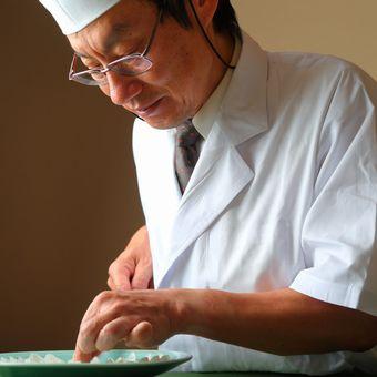 【時給1400円】老舗高級ふぐ料理店のキッチンで腕を磨ける☆新橋徒歩5分!【資格取得支援あり!】