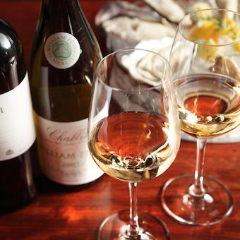 スパークリングや白ワインなど品揃え豊富。