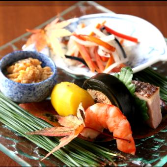 細やか本格和食から、大胆な鉄板料理までお楽しみください