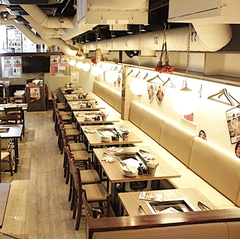 【駅チカ‼】新橋駅から徒歩2分☆牡蠣を始めとした海鮮BBQのお店!活気ある店内で元気に接客♪♪