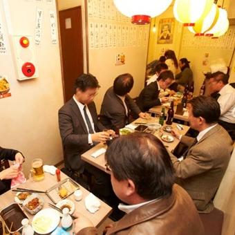 夜は串カツ・天ぷら・生さつま揚げが売りの「揚げ三兄弟」というお店に変わります!