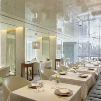 世界的な建築家、植木莞爾氏がデザインした洗練された空間。