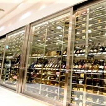 気軽に楽しめるワインを種類豊富に取り扱っています。