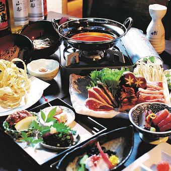 季節ごとに代わるお料理たち。お客様に楽しんでもらうために料理人たちが腕を振るいます。