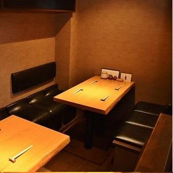 ソファ席は、デート、普段使い、接待まで、幅広くご利用いただけます。