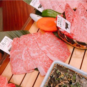 お肉の切り方も日本独自のもの。おいしい切り方があるんです。