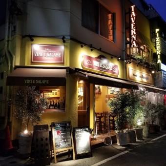 東銀座のお店で接客☆イタリア語も飛び交う本場の環境を日本で体験!あなたの人柄を活かしてください♪