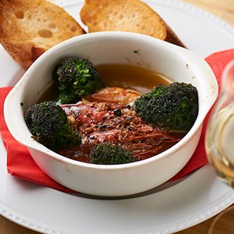窯焼きやピザだけじゃない!季節の食材を使ったアヒージョなど窯焼き料理も人気です!