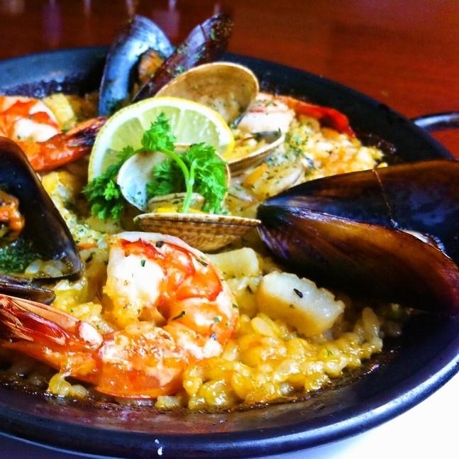 スペイン料理代表のパエリアも当店自慢の逸品です♪