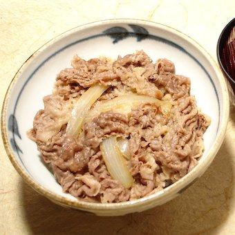 目指せ日本一!!超本格派の牛丼屋で調理スタッフ募集!!