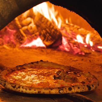 「もちもちピザ」って素敵な響き!石窯を扱うカッコいいキッチンバイト。週2日 1日5h〜OK!