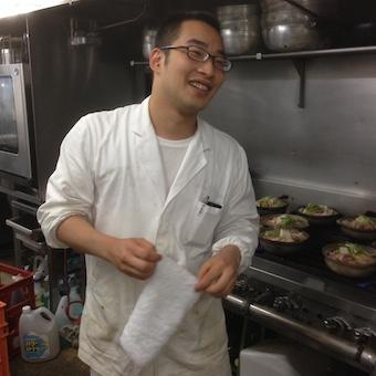 笑顔が素敵なキッチンスタッフさんです。