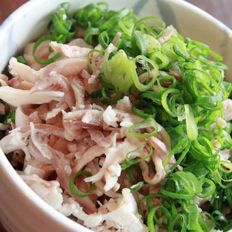 スタミナ満開モツ料理で日本の社会に元気を注入☆キッチンバイト!