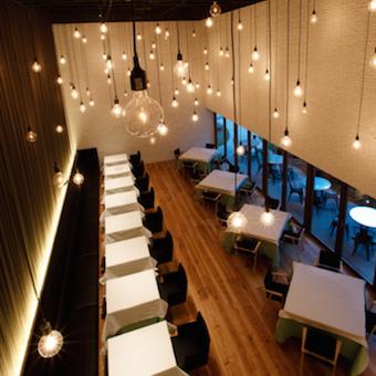 昇給、社員チャンスもあり!緑いっぱいの開放的なレストランのホールバイト!