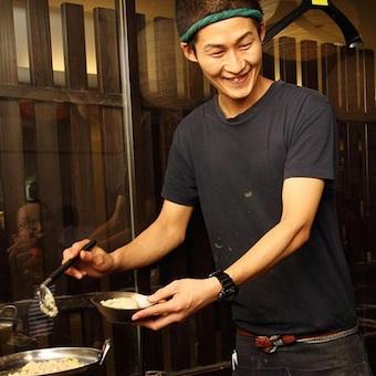 舌品のモツ料理を一緒に作ってくれるキッチンスタッフ大募集!八重洲地下街!!