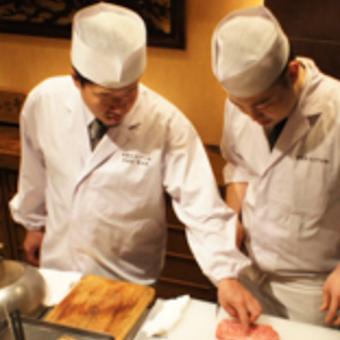 《時給1100円》会席料理と高級和牛を扱うキッチンバイト!銀座で上品に働こう!