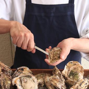 ≪キッチン経験者:1500円!!≫世界の!日本の!貴重な牡蠣を扱うキッチンバイト。《週3からOK!》
