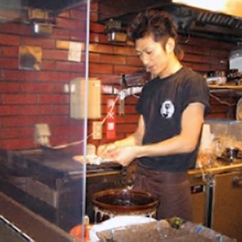 賑やかな環境のキッチンのお仕事★串焼きも創作料理も学べる★週1日・1日3h〜OK★