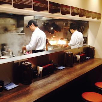 <時給1100円>人気店で担々麺と麻婆豆腐を作ろう!まかない食べ放題☆辛い物好き大歓迎!