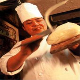 【週3日、1日4h〜OK】「刀削麺」で有名な本格西安料理の調理スタッフ♪