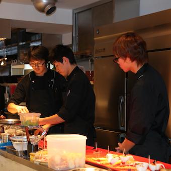 スペイン好き!料理好き!必見☆★スペイン文化にも触れられるキッチン♪19時20時からの勤務も可能!
