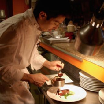 ウェディング用の料理にも参加できる☆時給1100円★社内イベント多数◎東京タワーの下で働こう♪