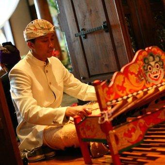 バリの民族楽器ガムランの生演奏もあります♪まさしく気分はバリですね☆
