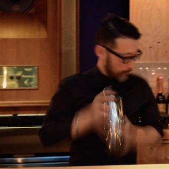 銀座のミュージックバーでお酒を作ろう♪小林武史、大沢伸一プロデュースのお洒落なお店。
