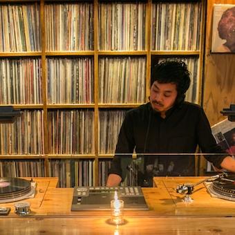 音楽を聴きながら働ける☆小林武史、大沢伸一プロデュースの銀座のミュージックバー♪