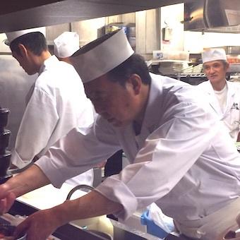 ≪東京駅八重洲地下中央口1分♪駅直結!≫築地直送の旬食材を使ったキッチン♪経験者求む!