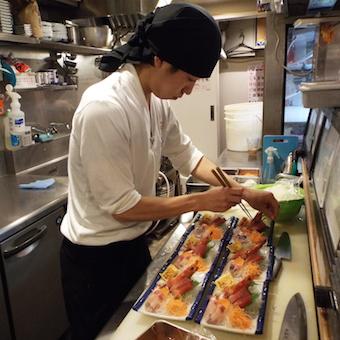新鮮なお魚の調理!まずはお手伝いから♪【時給1200円】