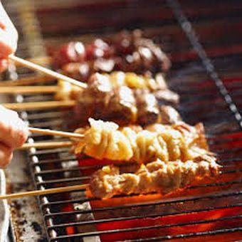 鶏好き集まれ〜☆専門店の料理を学べる♪時給1300円!≪フリーター学生主婦歓迎≫賄いあり