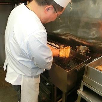 新宿三丁目駅徒歩1分☆うなぎ店でお重を洗おう!職人の作るまかないがとにかく美味しい!