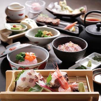 様々な料理を学べる、味わえる。銀座でキッチンバイトをはじめましょう。