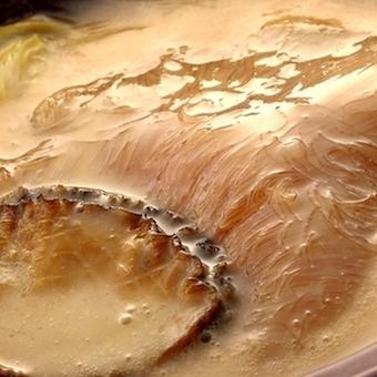 白湯仕立てのアワビとフカヒレの姿煮♪感動をお客様にお届けします。