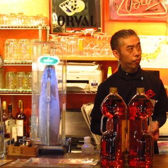 【高時給1200円】浅草駅より徒歩2分!こだわりのお酒を並べるビアホールでホールスタッフ募集♪