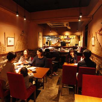 【金曜時給1300円】金髪ネイルピアスOK!個人経営の隠れ家ワインダイニングでホールバイト