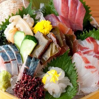 富山の鮮魚。富山出身の方、未経験の方大歓迎。大学生・フリーターの先輩がみんなを待っています。