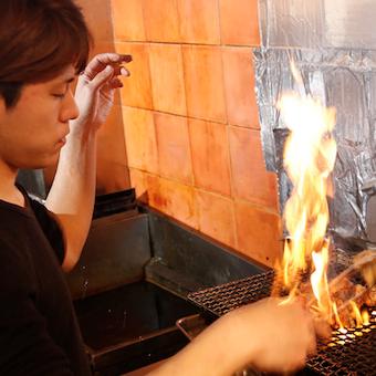 地鶏を丸々捌く!調理技術を格段にアップ☆鳥料理で独立志望者も多いです。
