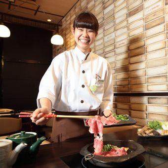 【東京駅直結】ワンランク上の接客&調理スキルUP◎高級すき焼きを提供するお仕事です♪【まかない付】
