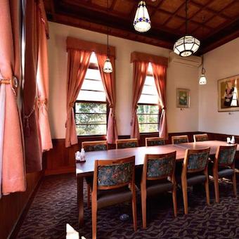 【着物着用のお仕事】古き良き伝統のお屋敷でホールスタッフ!【時給1100円】