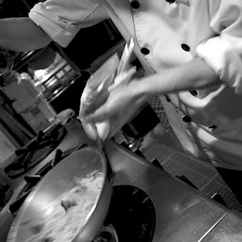 ☆時給1100円★専門店のスキル差が付く!牡蠣を極めよう♪上野駅1分のオイスターバー☆