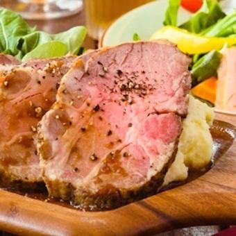 どこにも負けないフード。肉料理が凄いキッチンスタッフになろう。週2日 1日4h〜OK!
