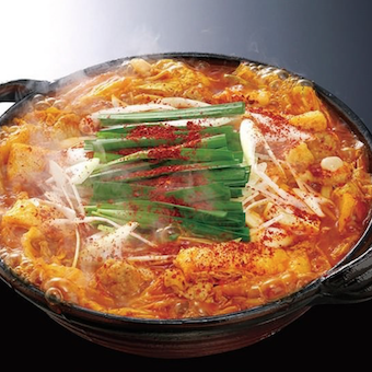 名物「赤から鍋」は11段階の辛さを選べます。お子さんや辛いものが苦手な人には0番をオススメしてみよう♪