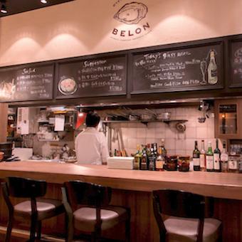 《時給1200円〜1400円》牡蠣料理やイタリアンを学びたい人!お洒落なオイスターバーのキッチン♪