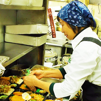 台東区最安250円弁当、惣菜の調理◎まかない付き、交通費支給あり◎