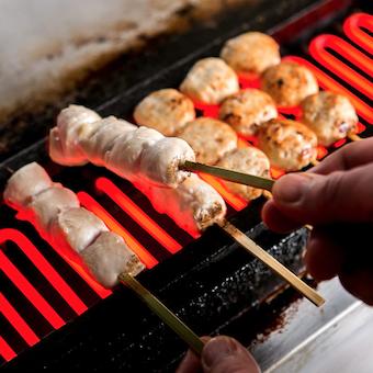 シフト融通が効くお店★汐留駅で雨の日でもラクラク通勤♪鶏料理を極めよう★